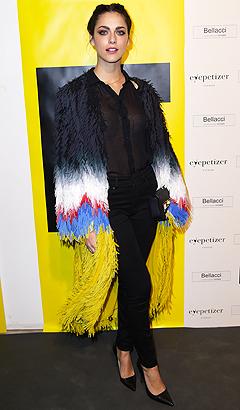 Le Donatella con un look rock al party